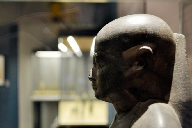 Khaemouaset est l'un des premiers à s'intéresser la figure d'Imhotep.