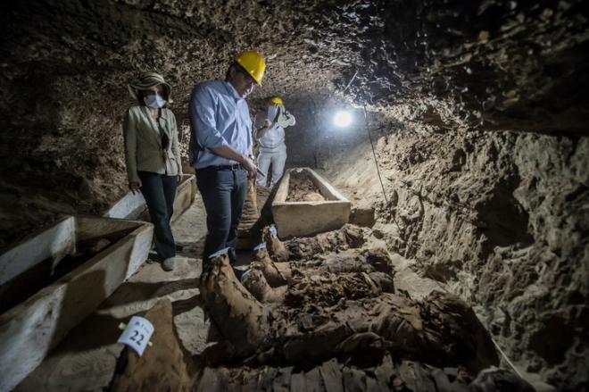 17 momies decouvertes, catacombes à Touna-Gabal à 200 km du Caire