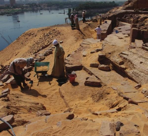 Qubbet el hawa site in front of aswan