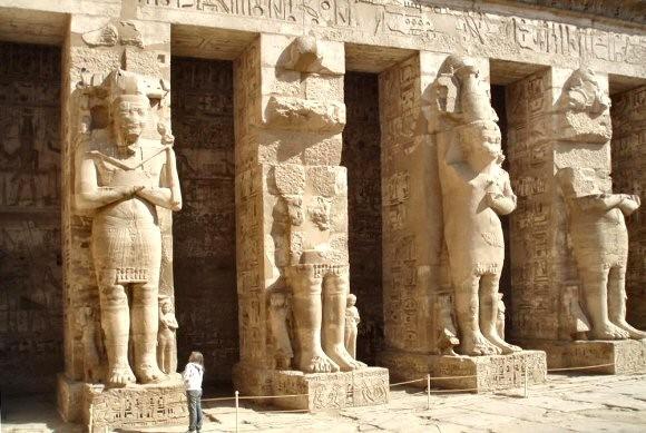 Ramses iii temple mortuaire