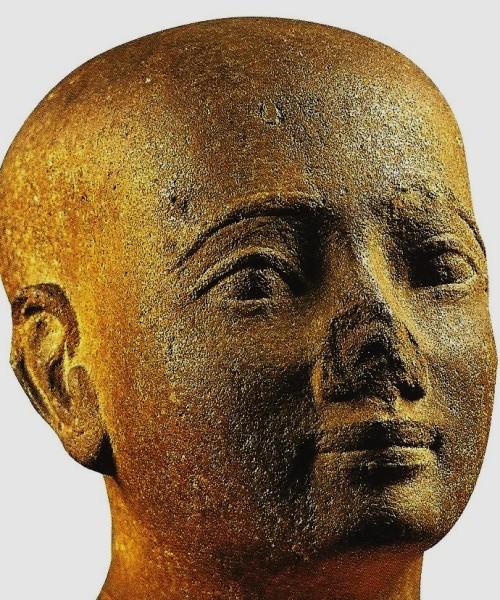 Statuette d epoque tardive turin museo egizio