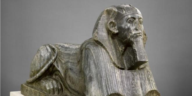 Sésostris III, un grand bâtisseur, réformateur du royaume.