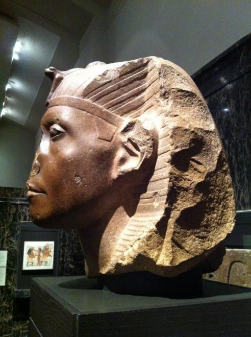 Senusret III - Nelson Atkins Museum side view - © Anneke Bart