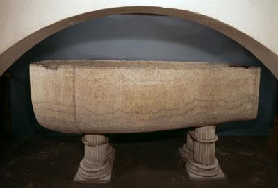 Sarcophage d'albâtre, dynastie correspondant au pharaon Seti I.