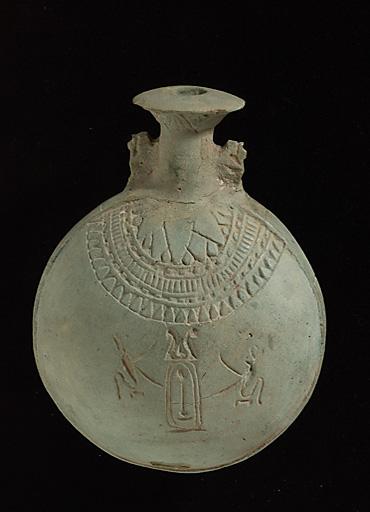Pharaon Amasis,  un berbère Libyen...   570 à 526 B.C.E.  En faïence silicieuse !