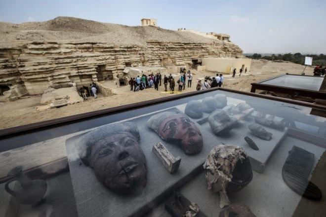 Complexe funeraire d'Ouserkaf à Saqqara, ancienne Empire.