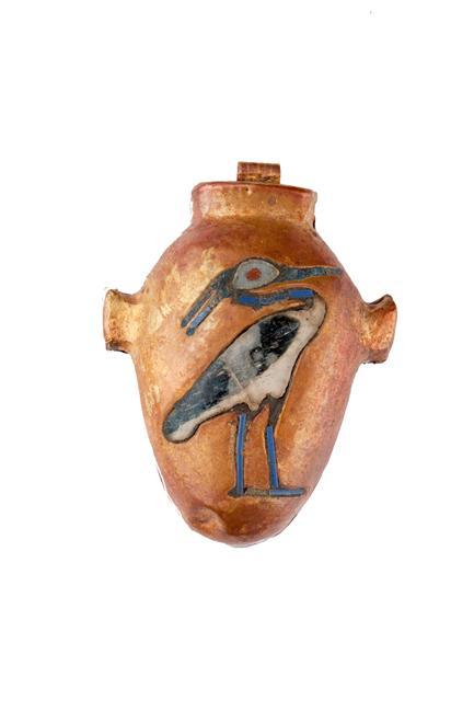 L'oiseau solaire benou symbolise la renaissance. Amulette trouvée sur la momie du roi