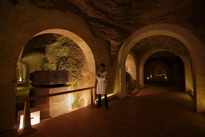 serapeum_Il fut bien à l'origine de la création de petits souterrains du Sérapéum.