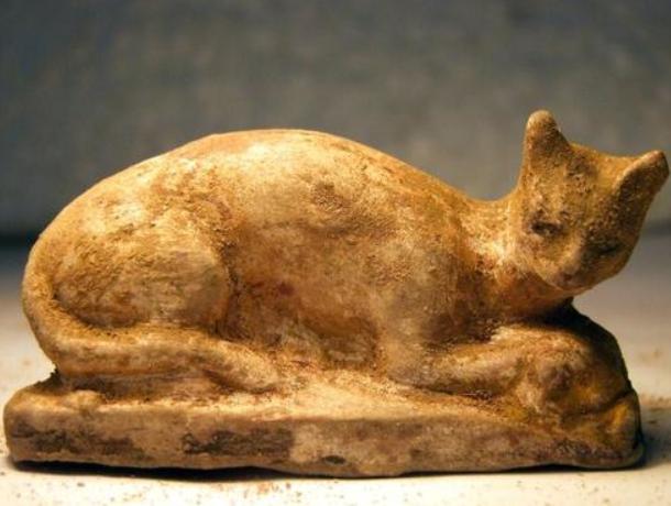 Une statue de chat dédiée à la déesse égyptienne Bastet découverte à Alexandrie.