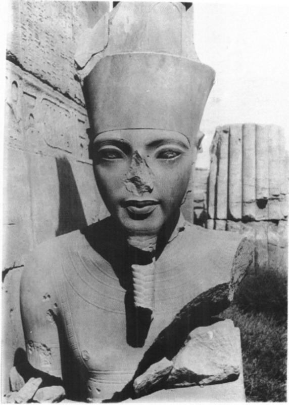 King tut s statue of amun photo m pillet after azim reveillac karnak dans l objectif de legrain 4 4 105