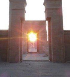 Lallineamento del sole al portale del tempio di hibis ph youm7 com