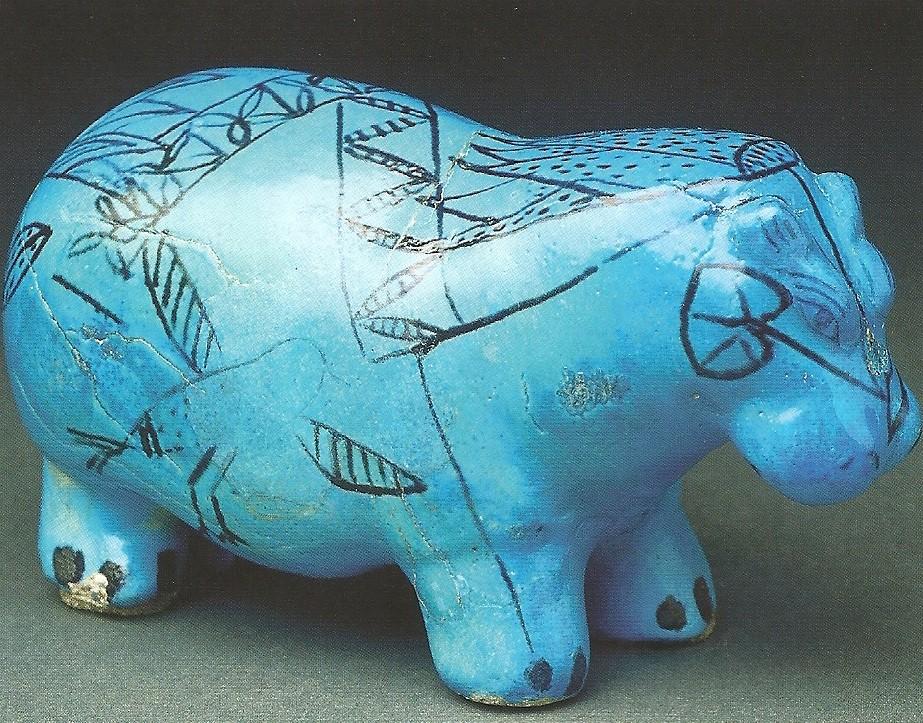 Un des celebres hippotames bleus a traits noirs musee du louvre